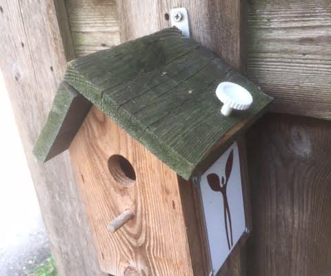 gerepareerd vogelhuisje, pelgrimsroute Walk of Wisdom
